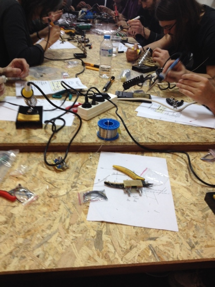 WORKSHOP FOR MAKING YOUR OWN ELECTRONIC FUZZ PEDAL BY JAM PEDALS GROUP